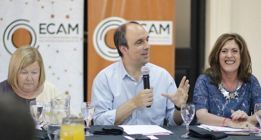José Corral presentó un programa para reutilizar la traza ferroviaria en el Área Metropolitana