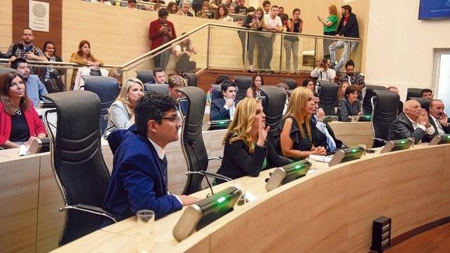 Los concejales de Rosario se bajaron un 30% los sueldos