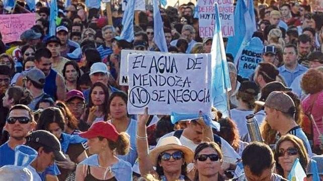 Mendoza: Suspenden la reforma de la ley de minería que afectaba el agua
