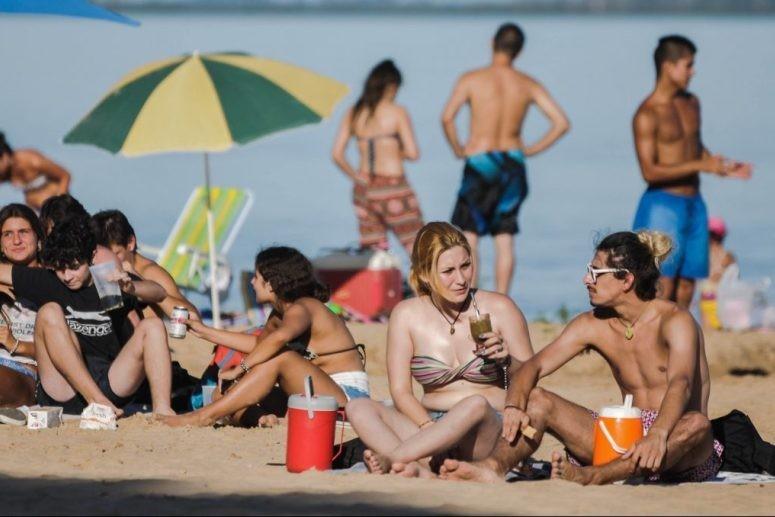 Se recuerda que las playas no están habilitadas como balnearios