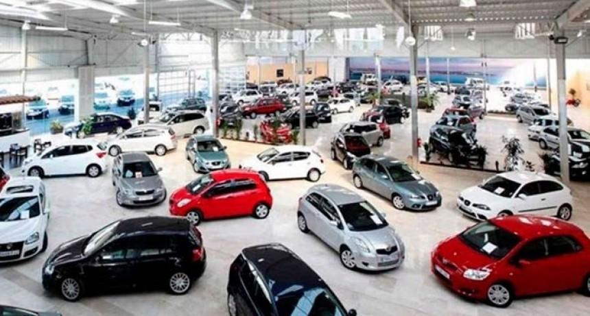 El patentamiento de autos cayó en la provincia un 38%