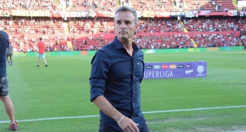 Pablo Lavallén se despidió de sus jugadores en Colón de Santa Fe