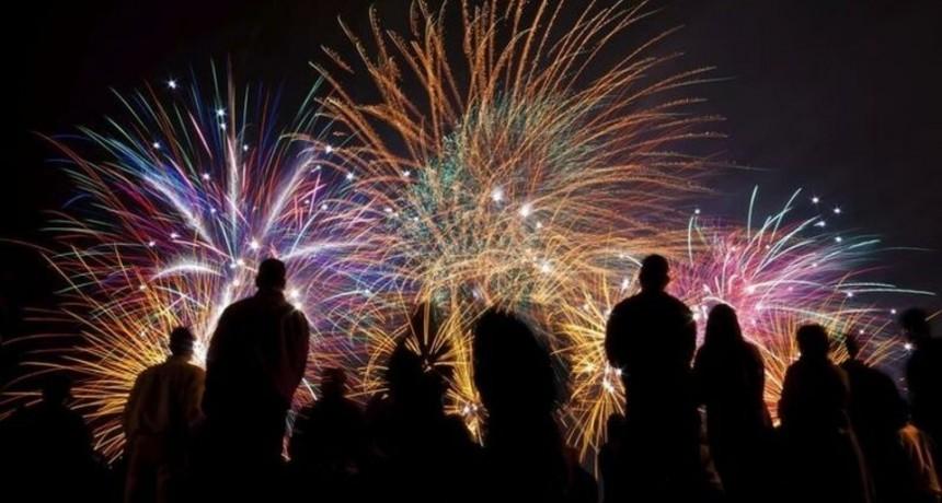 Show de fuegos artificiales para conmemorar el 50 aniversario del Túnel Subfluvial