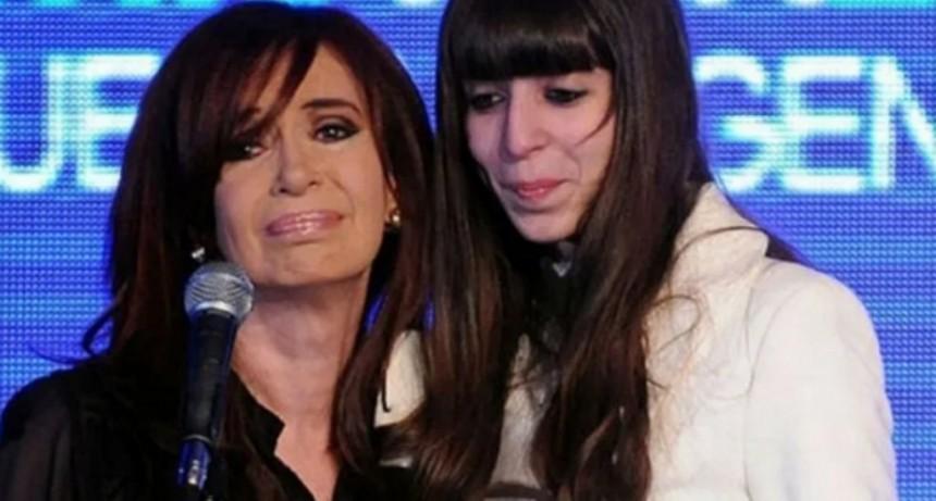 Cristina Kirchner fue autorizada a viajar a Cuba para pasar Año Nuevo con Florencia